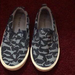 Little boys size 7 slip on shoes